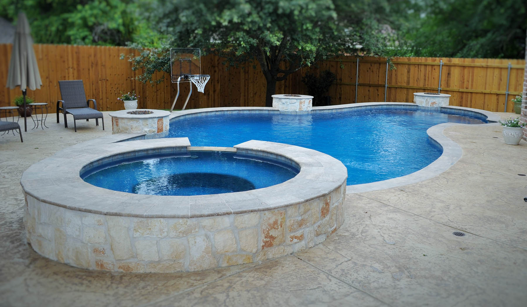 Bryan college station custom pool design photos brazos valley - Pool fire bowls ...